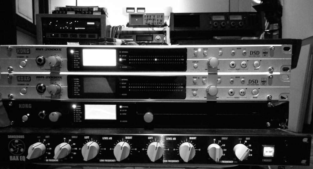 MR-2000S x2とMR-0808U(Clarity専用8IN/8OUTオーディオ・インターフェイス)。