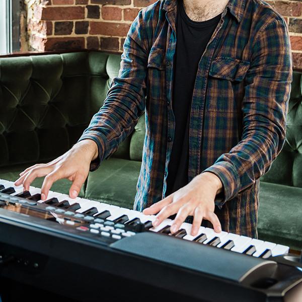 อิเล็กโทน Korg EK-50 Entertainer Keyboard